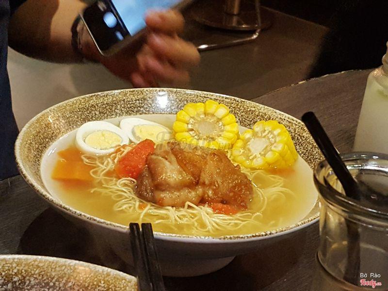 Chicken Chop & Egg Papaya Soup Bee Hoo