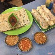 Bánh tráng nướng và bánh tráng cuộn chả cá