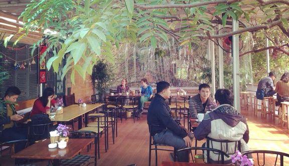 Retro Corner Cafe
