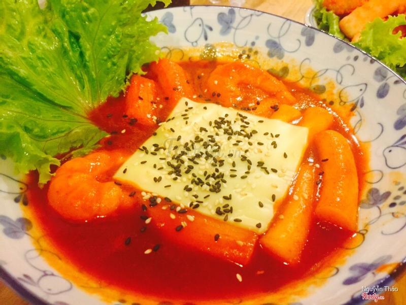Tobbokki súp phô mai