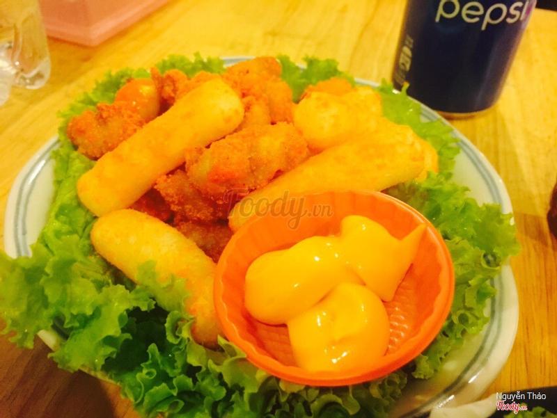 Tobbokki + gà truyền thống lắc phô mai