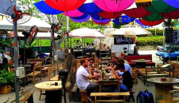 Sidewalk Beer & Grill - Nghi Tàm