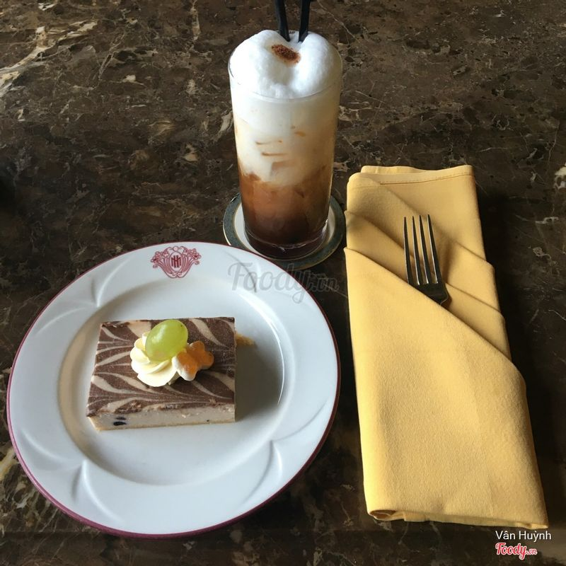 Ice Cappuccino & Blueberry Cheesecake