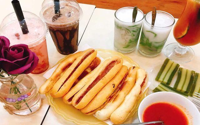 No.195 - Bánh Mì Cay & Chè Thái