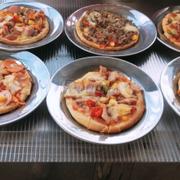 Pizza ngon gia re! Khong gian mat me
