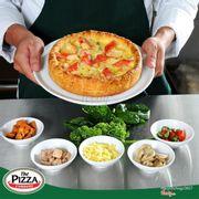 """[NẮM TAY NHAU ĐI ĂN CHIẾC PIZZA NHÂN NGẬP TRÀN TRONG TRUYỀN THUYẾT]  Nhân nhiều có là gì, phải là siêu nhiều nhân và double phô mai mới quyến rũ và mê hoặc vị giác nha. Chẳng cần """"truy tìm"""" đâu xa, ghé ngay The Pizza Company là được thưởng thức chiếc Chicago pizza nhân nhồi trứ danh trong truyền thuyết rồi đó. Thích """"cổ điển"""" đã có Classic topping, yêu phong cách """"cao cấp"""" yên tâm có Deluxe topping, còn ghiền vị tươi ngọt của hải sản thì có ngay Gourmet topping """"ngon lạc lối"""".  Mỗi loại nhân là một chuyến phiêu lưu hương vị đầy màu sắc đủ để thỏa mãn mọi tâm hồn ăn uống. Nhấn chọn cảm xúc cùng loại topping yêu thích của mình đi nào, đừng quên lên lịch """"quẫy hết nấc"""" cùng Chicago Pizza nhé !!! *Tham khảo thực đơn của The Pizza Company: http://www.thepizzacompany.vn/landing/ hoặc www.facebook.com/pg/ThePIZZAcompanyVN/shop/ *  Follow Instagram: https://www.instagram.com/thepizzacompanyviet/ *Gọi ngay 0473038883 để tận hưởng dịch vụ giao hàng miễn phí, áp dụng tại khu vực TP Việt Trì"""