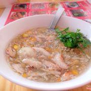 Súp cua có cả trứng cút, nhiều thịt cua, ăn thơm, hình như có cả mùi dầu vừng, 25k/bát 👍