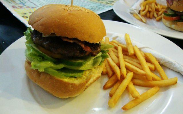 Phát Hamburgers