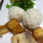 cơm cá dứa