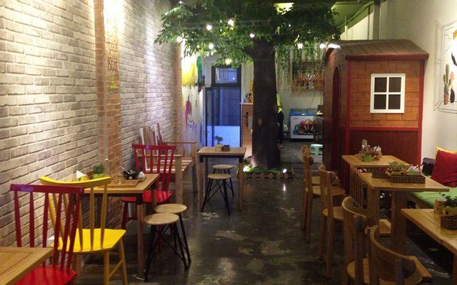 Mango Tree - Nguyễn Huệ