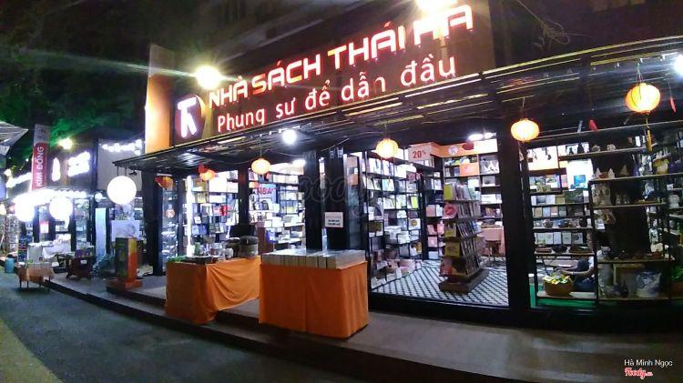 Đường Sách Nguyễn Văn Bình ở TP. HCM