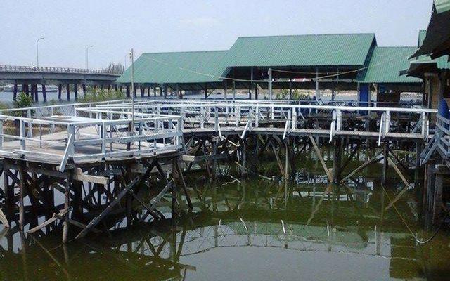 Quán Hải Sản Thủy Triều Cam Ranh