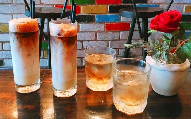 Hangout - Coffee & Bar