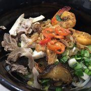 Tôm rim + thịt + gà + nấm, sự kết hợp thú vị