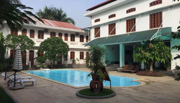 Hải Cảng Restaurant - Đồng Mô Farm Stay