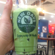 Iced Matcha Yogurt 39000 + peach kanten 5000