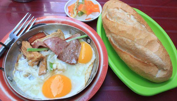 Bánh Mì Ốp La - Xíu Mại & Bò Kho