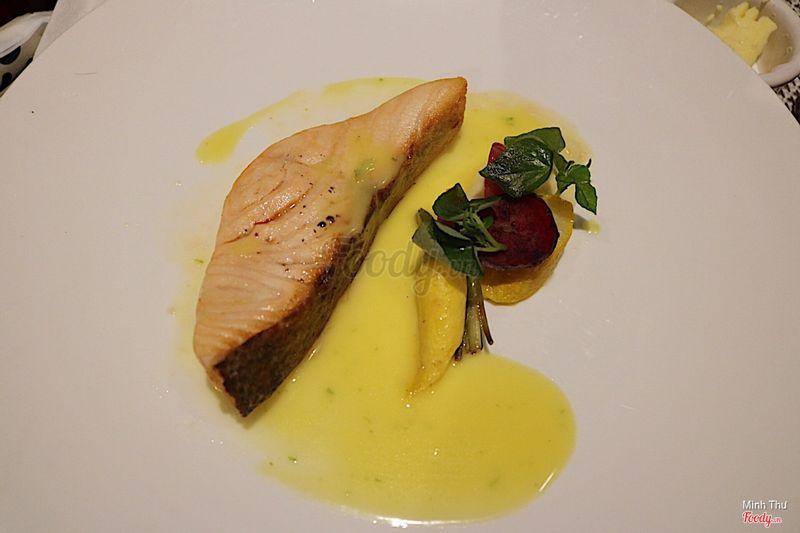 Cá hồi nướng ( menu visa platinum)