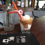 Cà phê dừa của Sành khác với các quán ở quanh khu vực tứ hạ nhé các bạn :)