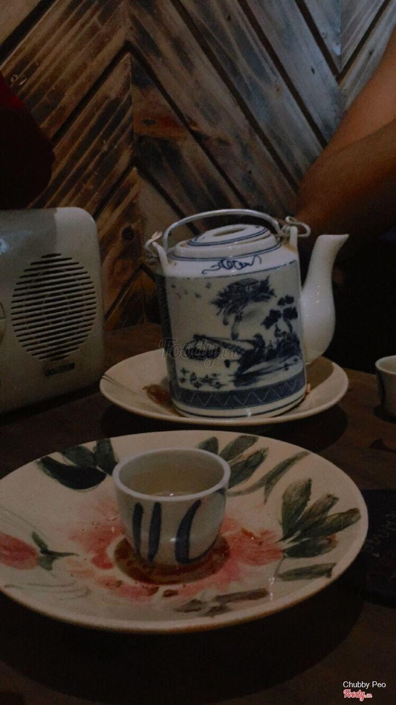 Vẫn ghiền cái vị trà trà bánh bánh thoang thoảng này