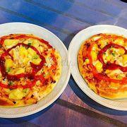 Pizza size nhỏ 30k/1 cái