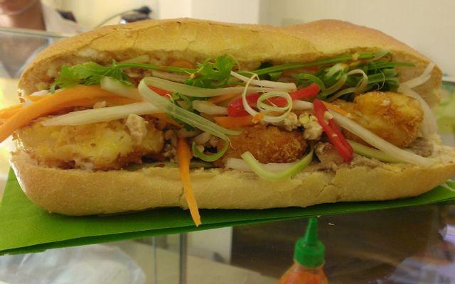 Bánh Mì Thùy Dương - Cao Văn Lầu