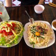 Cơm gà xé + salad chay