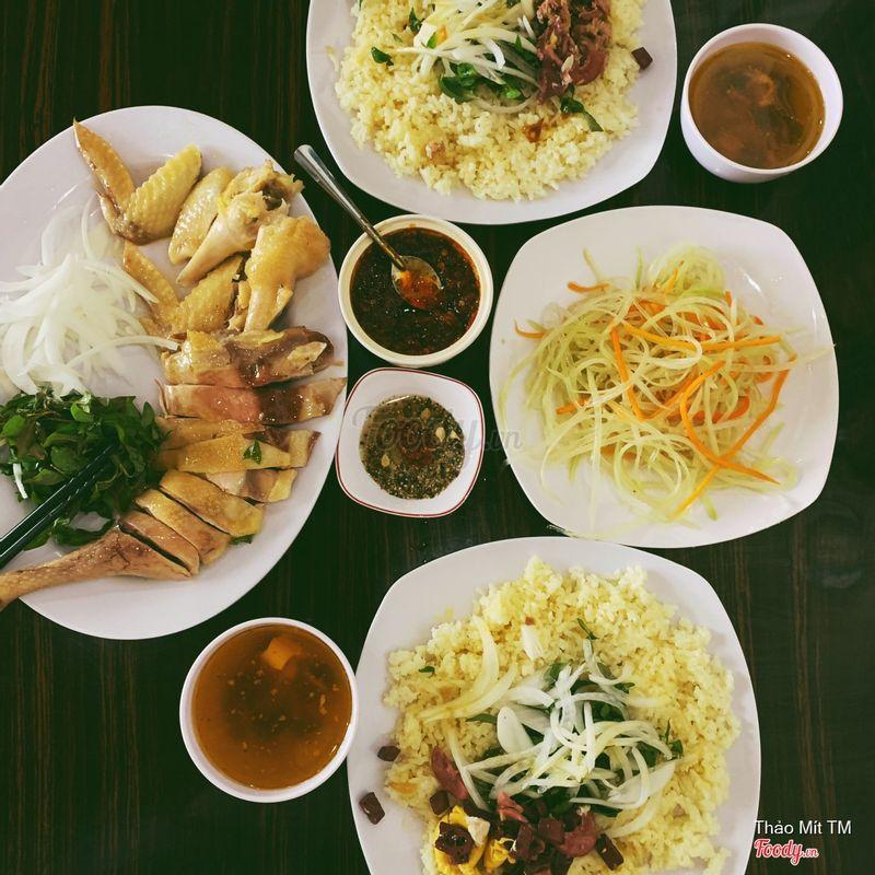 Mình là người Hà Nội mà thấy rất hợp khẩu vị. 16/55 Phan Chu Trinh. Trong ngõ xíu nhưng mát và sạch cực luôn nha :).