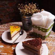 Mousse chanh leo và mousse chocolate