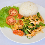 Mực xào - stir fried squid