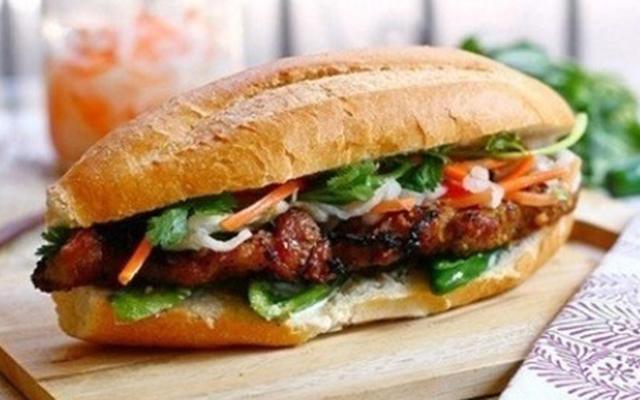 Bánh Mì Thịt Bò Nướng Cô Lành - Hồ Xuân Hương
