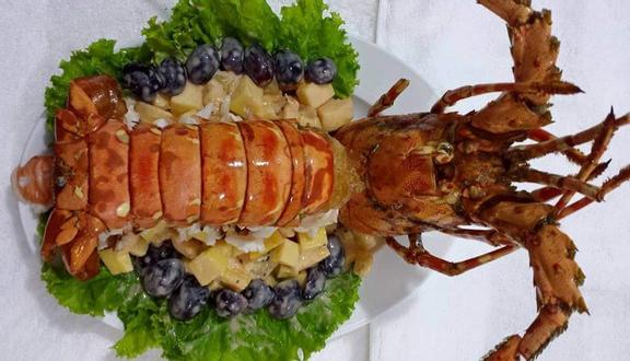 Ăn Tôm Hùm Nha Trang
