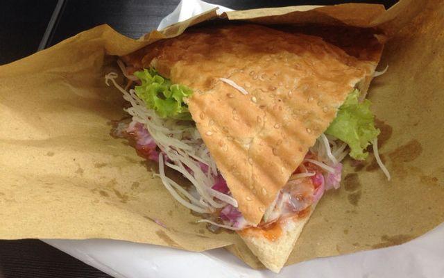 Tràng Thi Restaurant - Bánh Mì Kẹp Thịt