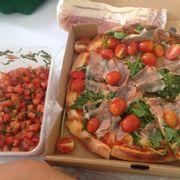 Prosciutto & funghi pizza