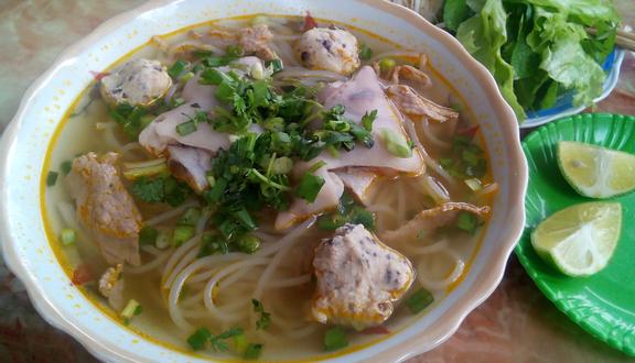Quyên - Bún Bò Huế