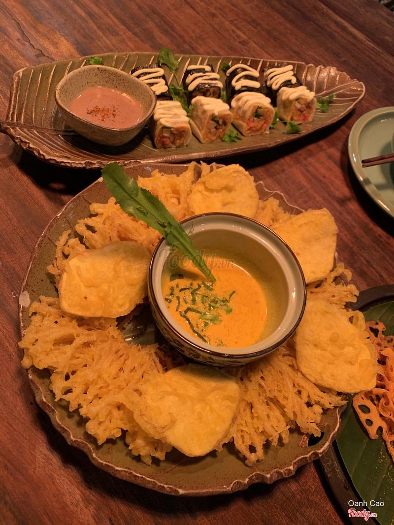 Châm vàng sốt thái (nấm kim châm) + Sushi