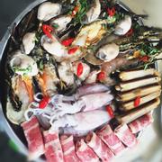 Lẩu hải sản thập cẩm