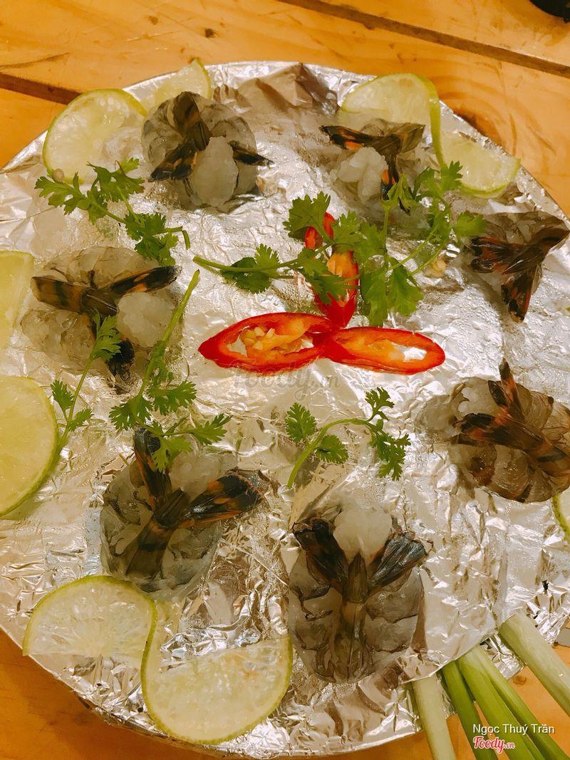 Tôm sashimi , đĩa này là 500gr í , bên ngoài tôm khá to