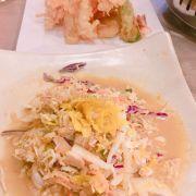 tempura tổng hợp thì bth, củng dầu mỡ như gà chiên giòn. salach gì đó thì thật ra là như gỏi vịt với nước mắm