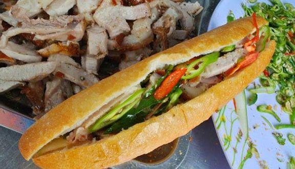Má Hoa - Thịt Heo Quay & Bánh Mì