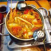 Món lẩu giá từ 150k. Ăn mệt nghỉ luôn.