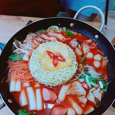 Lẩu bánh gạo