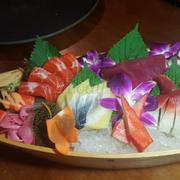 sashimi set thuyền