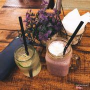 Đồ uống ngon, không gian lạ, tạo cảm giác thoải mái. Nhân viên lịch sự và xinh xắn!