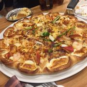 Pizza hải sản cao cấp viền phô mai size L