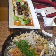 Nấm tempura, đậu hũ la hán và cơm cháy sốt nấm