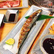 Da cá dai dai, mặn mặn, có tiêu và được nướng rất vừa phải. Ăn trong miệng mà miếng cá như tan trong miệng