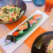 sushi cá hồi tổng hợp NC2: 99k