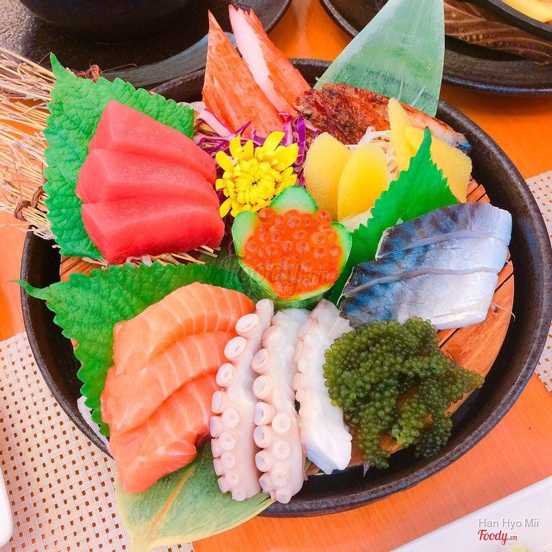 sashimi tổng hợp B: 337k