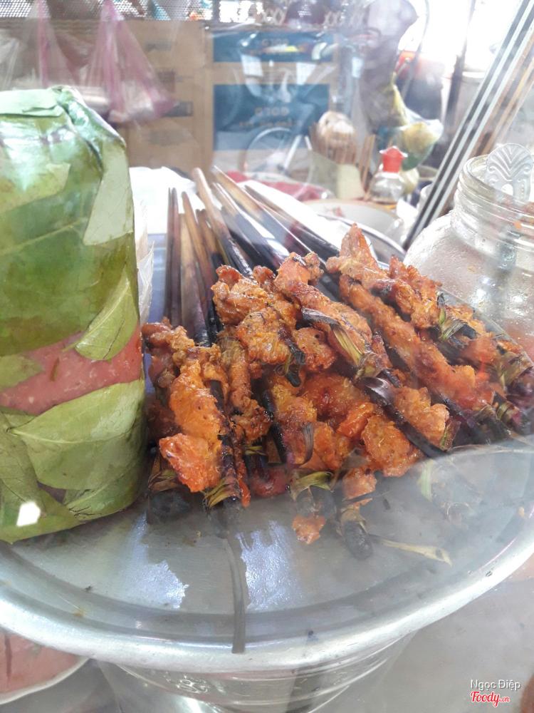 Ngọc Cẩm - Bún Thịt Nướng & Nem Nướng ở Khánh Hoà